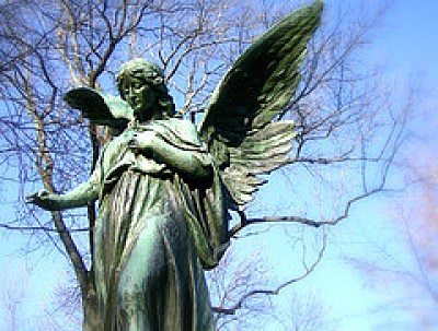 statue of an Angel in a graveyard