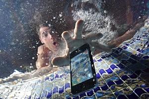 Smart phone Under Water